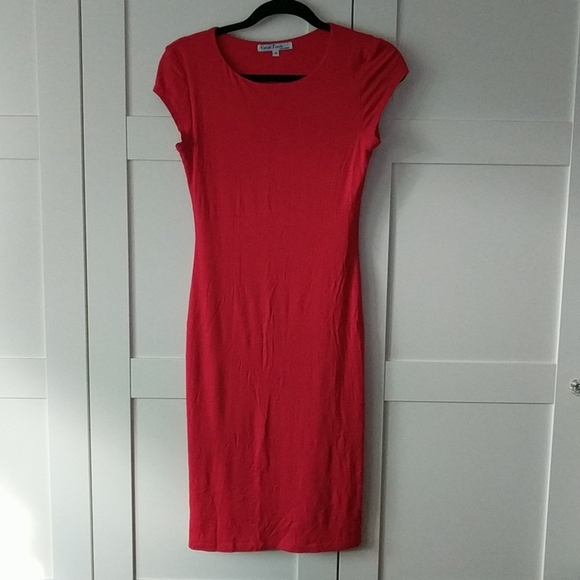❄️ 3/$25 Poppy Red T-Shirt Dress